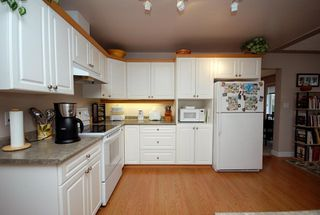 Photo 7: 1282 Geric Pl in Victoria: Residential for sale : MLS®# 269222