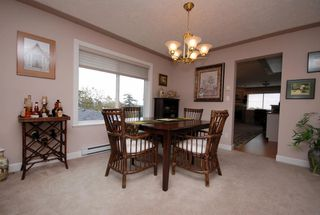Photo 4: 1282 Geric Pl in Victoria: Residential for sale : MLS®# 269222