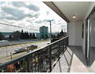 "Photo 8: 209 803 QUEENS Avenue in New_Westminster: Uptown NW Condo for sale in ""Sundayle Manor"" (New Westminster)  : MLS®# V700297"