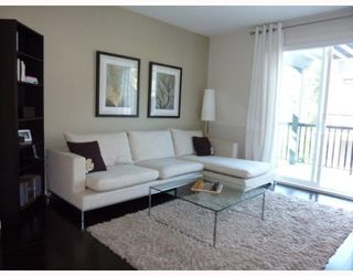 Photo 4: # 48 101 FRASER ST in Port Moody: Condo for sale : MLS®# V776335
