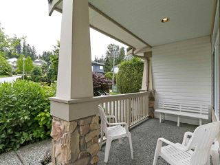 "Photo 2: 208 ASPENWOOD Drive in Port Moody: Heritage Woods PM House for sale in ""Heritage Woods"" : MLS®# R2396270"