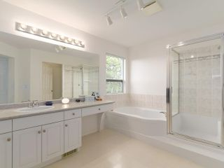"""Photo 13: 208 ASPENWOOD Drive in Port Moody: Heritage Woods PM House for sale in """"Heritage Woods"""" : MLS®# R2396270"""