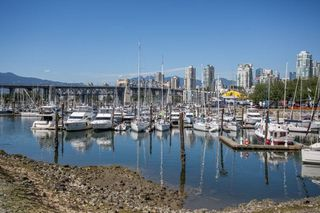 Photo 16: 1523 MARINER WALK in Vancouver: False Creek Townhouse for sale (Vancouver West)  : MLS®# R2367455