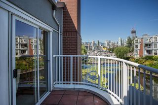 Photo 11: 1523 MARINER WALK in Vancouver: False Creek Townhouse for sale (Vancouver West)  : MLS®# R2367455