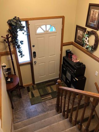 Photo 2: 4013 MacKenzie Avenue: Drayton Valley House for sale : MLS®# E4173084