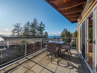 Photo 27: 5398 WAKEFIELD BEACH Lane in Sechelt: Sechelt District Townhouse for sale (Sunshine Coast)  : MLS®# R2421735