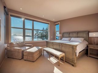 Photo 12: 5398 WAKEFIELD BEACH Lane in Sechelt: Sechelt District Townhouse for sale (Sunshine Coast)  : MLS®# R2421735