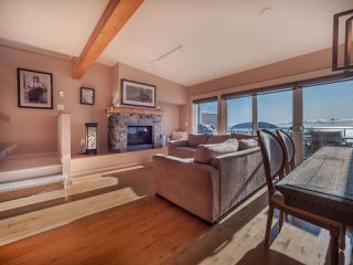 Photo 4: 5398 WAKEFIELD BEACH Lane in Sechelt: Sechelt District Townhouse for sale (Sunshine Coast)  : MLS®# R2421735