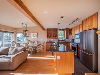 Photo 8: 5398 WAKEFIELD BEACH Lane in Sechelt: Sechelt District Townhouse for sale (Sunshine Coast)  : MLS®# R2421735