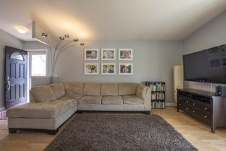 Photo 4: 51 Sandrington Drive in Winnipeg: River Park South Residential for sale (2E)  : MLS®# 202008929