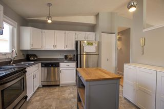Photo 9: 51 Sandrington Drive in Winnipeg: River Park South Residential for sale (2E)  : MLS®# 202008929