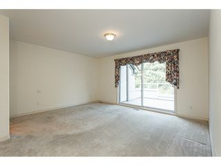 """Photo 15: 18 4001 OLD CLAYBURN Road in Abbotsford: Abbotsford East Townhouse for sale in """"Cedar Springs"""" : MLS®# R2469026"""