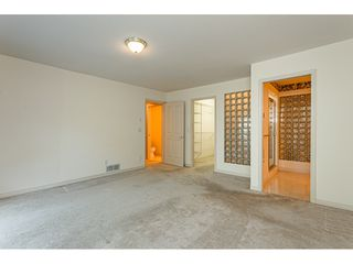 """Photo 16: 18 4001 OLD CLAYBURN Road in Abbotsford: Abbotsford East Townhouse for sale in """"Cedar Springs"""" : MLS®# R2469026"""