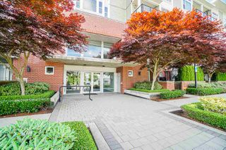 "Photo 3: 204 15956 86A Avenue in Surrey: Fleetwood Tynehead Condo for sale in ""ASCEND"" : MLS®# R2470176"