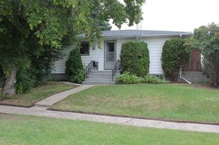Photo 2: 4926 53 Ave: Elk Point House for sale : MLS®# E4207064