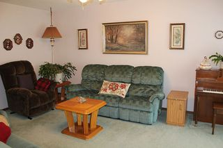 Photo 12: 4926 53 Ave: Elk Point House for sale : MLS®# E4207064