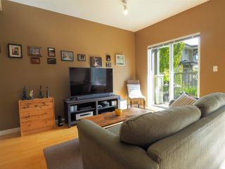 "Photo 2: 44 40632 GOVERNMENT Road in Squamish: Brackendale Townhouse for sale in ""Riverswalk"" : MLS®# R2488805"