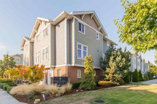 """Photo 3: 17 1135 EWEN Avenue in New Westminster: Queensborough Townhouse for sale in """"ENGLISH MEWS"""" : MLS®# R2495397"""