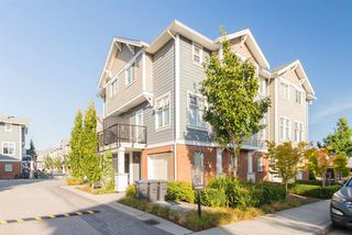 """Photo 4: 17 1135 EWEN Avenue in New Westminster: Queensborough Townhouse for sale in """"ENGLISH MEWS"""" : MLS®# R2495397"""