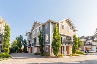 """Photo 1: 17 1135 EWEN Avenue in New Westminster: Queensborough Townhouse for sale in """"ENGLISH MEWS"""" : MLS®# R2495397"""