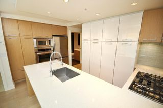 "Photo 6: 330 2008 PINE Street in Vancouver: False Creek Condo for sale in ""MANTRA"" (Vancouver West)  : MLS®# V796892"