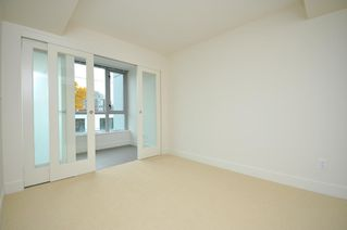 "Photo 11: 330 2008 PINE Street in Vancouver: False Creek Condo for sale in ""MANTRA"" (Vancouver West)  : MLS®# V796892"