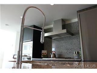 Photo 10: 807 708 Burdett Avenue in VICTORIA: Vi Downtown Condo Apartment for sale (Victoria)  : MLS®# 288510
