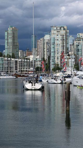 """Photo 6: 501 1508 MARINER Walk in Vancouver: False Creek Condo for sale in """"Mariner Point"""" (Vancouver West)  : MLS®# R2445128"""