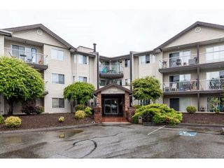 "Main Photo: 214 2780 WARE Street in Abbotsford: Central Abbotsford Condo for sale in ""CHELSEA HOUSE"" : MLS®# R2459911"