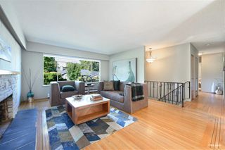 Photo 3: 5308 SARATOGA Drive in Delta: Cliff Drive House for sale (Tsawwassen)  : MLS®# R2488264