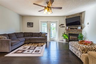 Photo 4: 2257 Bolt Ave in : CV Comox (Town of) House for sale (Comox Valley)  : MLS®# 852478