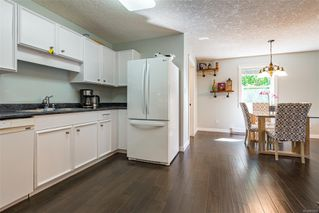 Photo 3: 2257 Bolt Ave in : CV Comox (Town of) House for sale (Comox Valley)  : MLS®# 852478