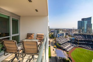 Photo 7: DOWNTOWN Condo for sale : 2 bedrooms : 325 7th Avenue #1805 in San Diego