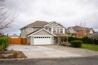 Photo 1: 140 Oregon Rd in : CR Willow Point House for sale (Campbell River)  : MLS®# 860568