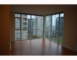 """Photo 2: 1005 8228 WESTMINSTER Highway in RICHMOND: Brighouse Condo for sale in """"MERRY PARK"""" (Richmond)  : MLS®# V798342"""