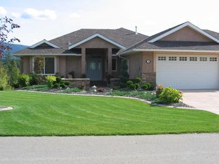 Photo 2: 2718 Sunnydale Drive in Blind Bay: Golf Course Area Residential Detached for sale : MLS®# 10031350