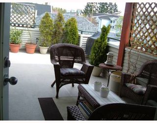 Photo 9: 301 918 W 16TH Street in North_Vancouver: Hamilton Condo for sale (North Vancouver)  : MLS®# V704015