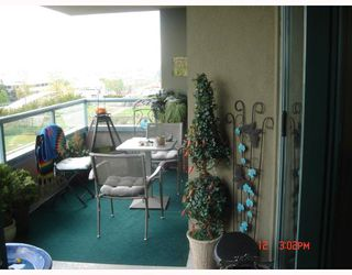 Photo 3: 502 4398 BUCHANAN Street in Burnaby: Brentwood Park Condo for sale (Burnaby North)  : MLS®# V709164