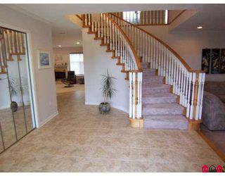 Photo 2: 5788 124A Street in Surrey: Panorama Ridge House for sale : MLS®# F2704567