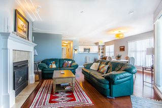 """Photo 10: 315 15210 PACIFIC Avenue: White Rock Condo for sale in """"OCEANRIDGE"""" (South Surrey White Rock)  : MLS®# R2390093"""