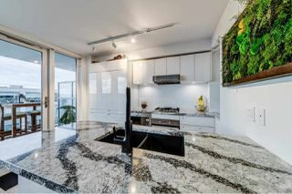 "Photo 11: PH9 188 KEEFER Street in Vancouver: Downtown VE Condo for sale in ""188 Keefer"" (Vancouver East)  : MLS®# R2426637"
