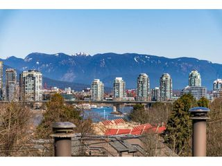 """Photo 3: 301 1220 W 6TH Avenue in Vancouver: Fairview VW Condo for sale in """"ALDER BAY PLACE"""" (Vancouver West)  : MLS®# R2481077"""