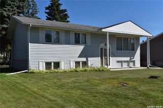Photo 1: 512 Canawindra Cove in Nipawin: Residential for sale : MLS®# SK820849