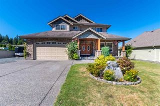 Photo 1: 7971 PALMER Place in Chilliwack: Eastern Hillsides House for sale : MLS®# R2492125
