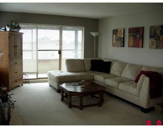 Photo 3: 307 1830 E SOUTHMERE CR in Surrey: Sunnyside Park Surrey Home for sale ()  : MLS®# F2810286