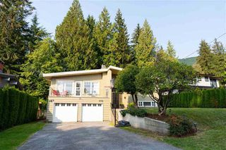 Photo 3: 972 BELVISTA Crescent in North Vancouver: Canyon Heights NV House for sale : MLS®# R2518447
