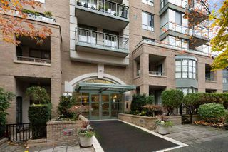"Photo 1: 302 2288 PINE Street in Vancouver: Fairview VW Condo for sale in ""THE FAIRVIEW"" (Vancouver West)  : MLS®# R2519056"