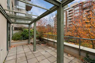 "Photo 3: 302 2288 PINE Street in Vancouver: Fairview VW Condo for sale in ""THE FAIRVIEW"" (Vancouver West)  : MLS®# R2519056"