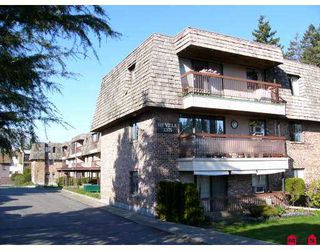 "Photo 1: 32175 OLD YALE Road in Abbotsford: Abbotsford West Condo for sale in ""FIR VILLA"" : MLS®# F2707090"