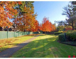 """Photo 10: 7 9994 149TH Street in Surrey: Guildford Townhouse for sale in """"TALL TIMBERS"""" (North Surrey)  : MLS®# F2727901"""